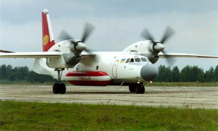 К тушению пожара в Харьковской области подключили вертолет и самолет