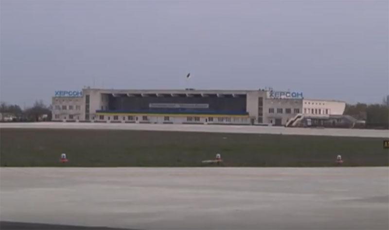 """Через аэропорт """"Херсон"""" через 5-6 лет будут летать до 1 млн. человек в год"""