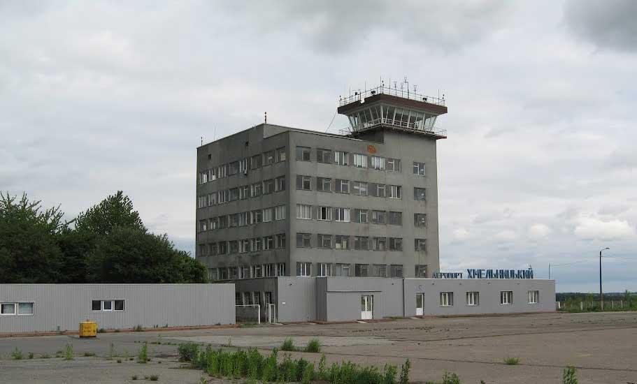 Директор аэропорта Хмельницкий назвал первые шаги для возобновления работы