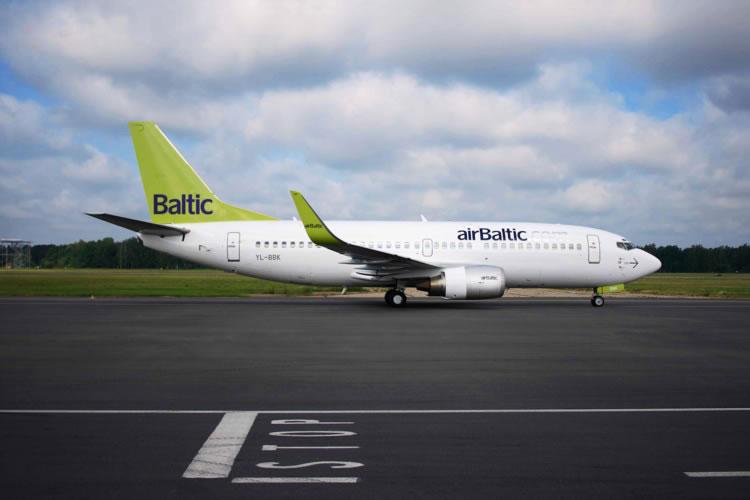 Авиакомпания airBaltic возобновит авиасообщение между Ригой и Одессой