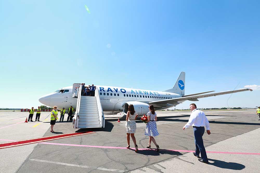 Самолет из Львова совершил экстренную посадку в Одессе