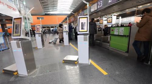 В аэропорту Борисполь пассажиры МАУ смогут самостоятельно сдать багаж