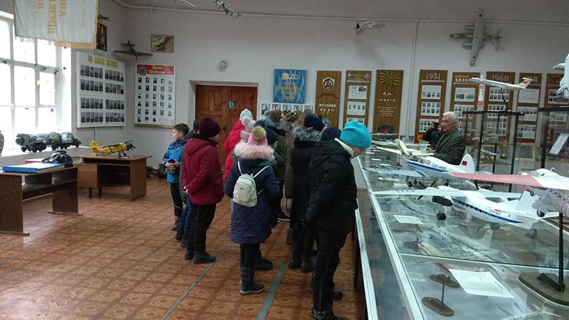 Школьники посетили Летную академию