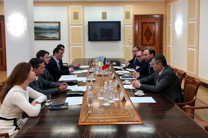 Министр инфраструктуры  Криклий провел встречу с представителями Airbus
