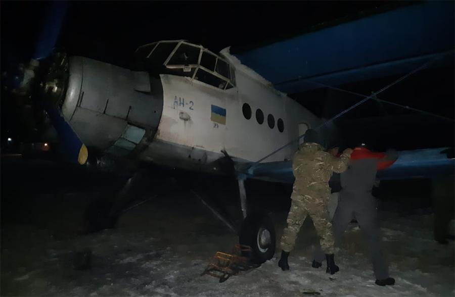 Пограничники задержали контрабандистов на самолете Ан-2