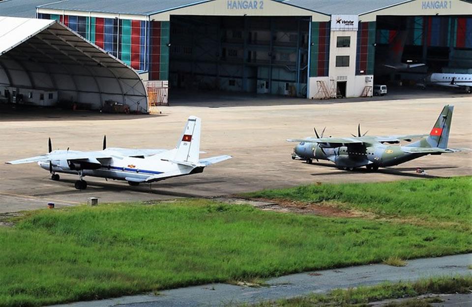 Самолеты Ан-26 и Casa-295 бригады 918 на базе Таншоннят, 2018 год