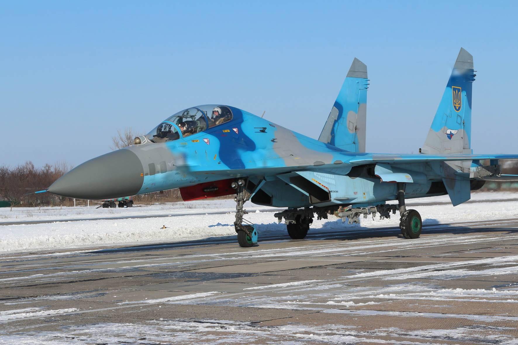 Украинский истребитель совершил аварийную посадку