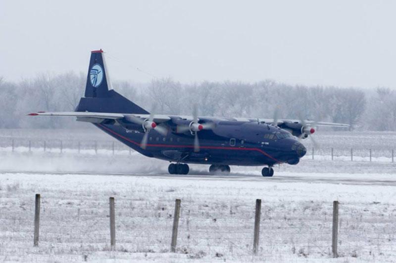 Великолепная посадка самолета Ан-12 в Белой церкви глазами лучших споттеров