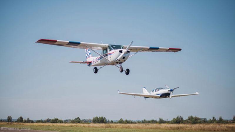 В Коломые из-за непогоды перенесли праздник авиации
