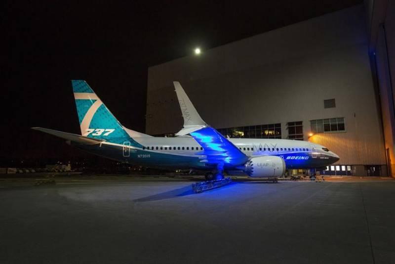 В США презентовали самый маленький из семейства самолетов Boeing 737 MAX