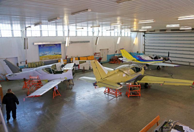 Одесский авиазавод запустил серийную сборку «Дельфинов»