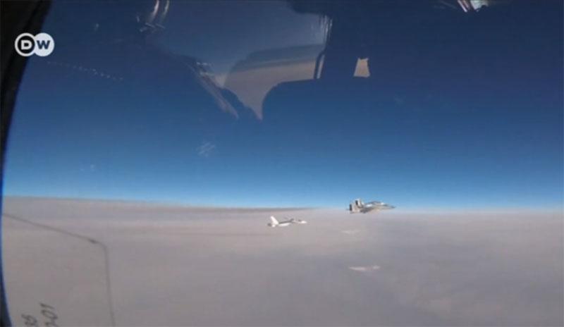 Военные самолеты США продолжат полеты над Черным морем