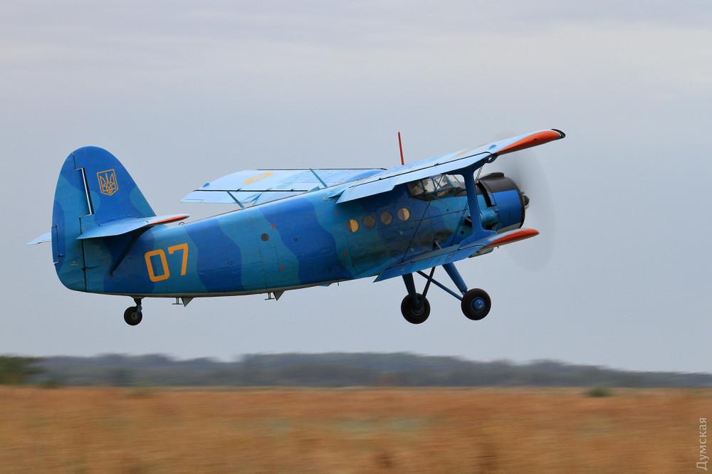 Единственный в ВСУ самолет Ан-2 принял участие в учениях на Школьном