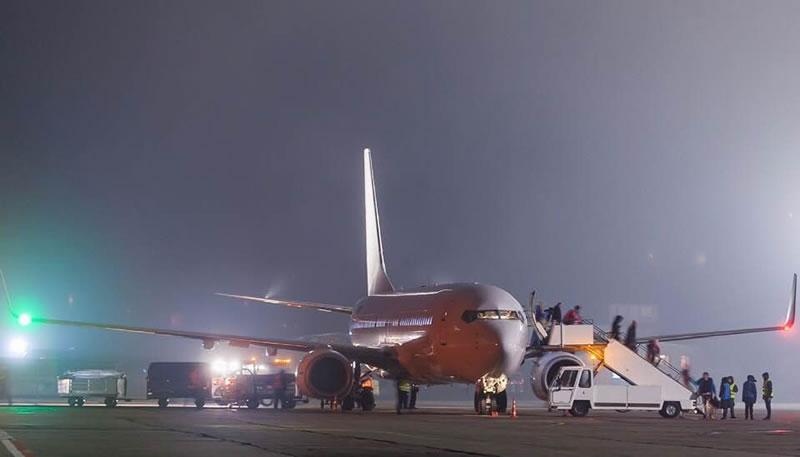 Николаевский аэропорт обслужил первый рейс ночью