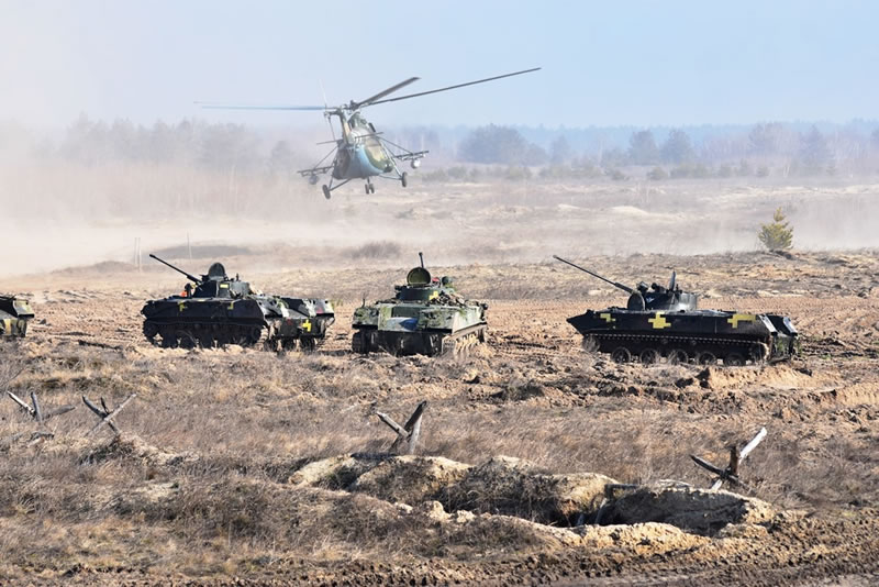 Авиация приняла участие в учениях 25 бригады