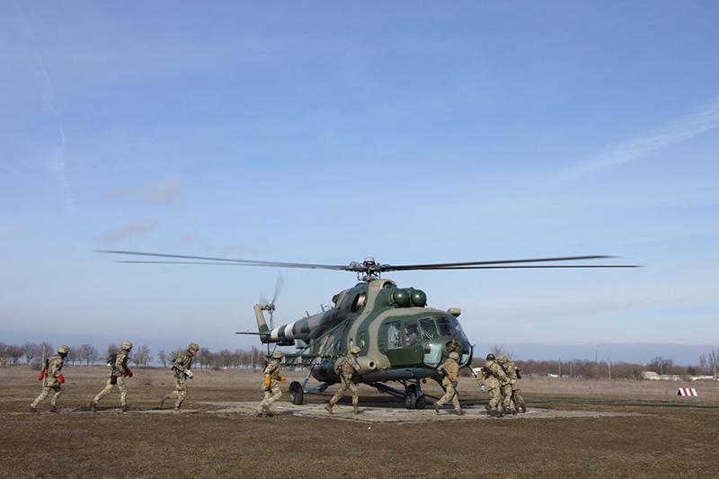 Для Ми-8 заказали новые лопасти