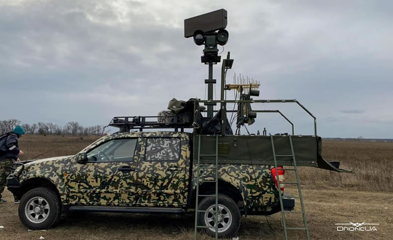 Компания DroneUA показала испытания охотника на БПЛА