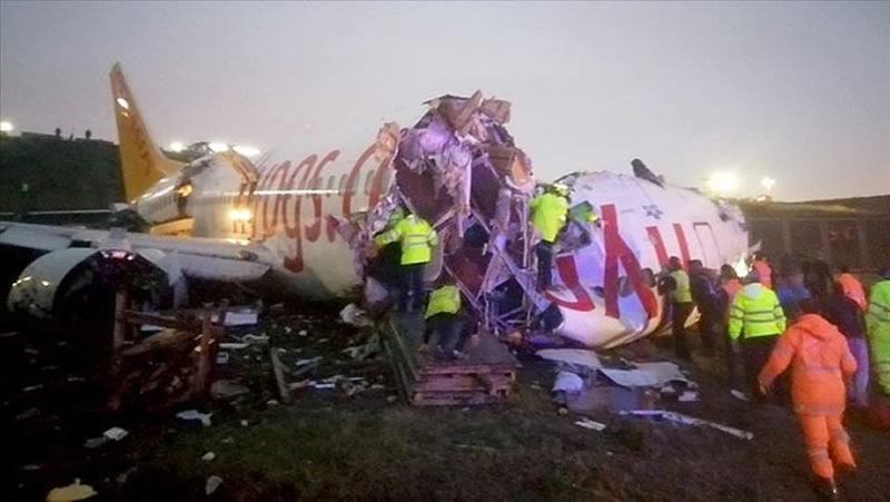 В результате аварийной посадки самолета в Стамбуле погибли 3 человека