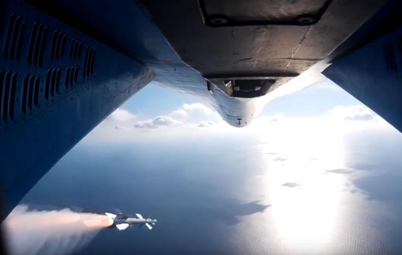 Су-27. Пилотаж и пуски ракет