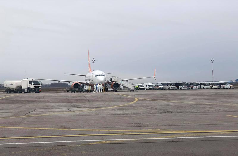 В SkyUp рассказали о работах с самолетом, который эвакуировал людей из Уханя
