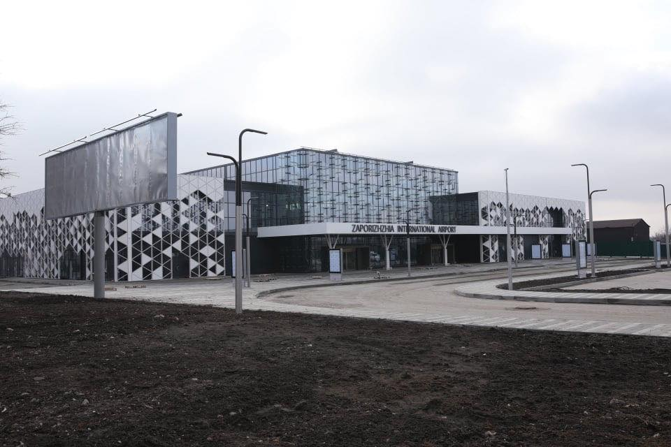 """Работы в аэропорту """"Запорожье"""" идут ускоренными темпами"""