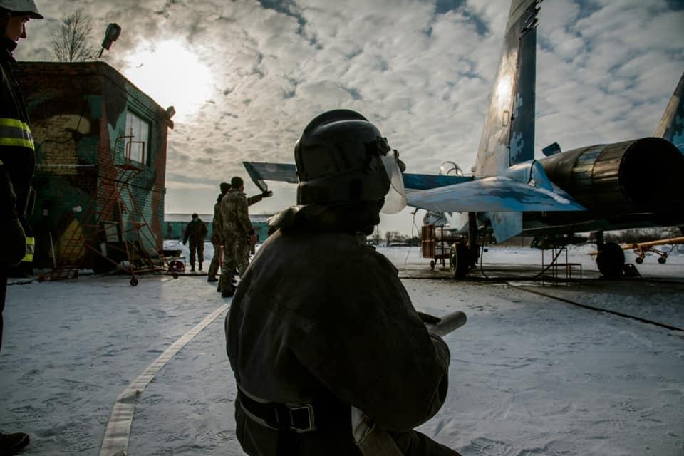 В Миргороде тушили двигатель истребителя
