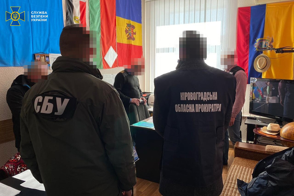 СБУ задержала декана КЛАУ при получении денег за допуск к полетам