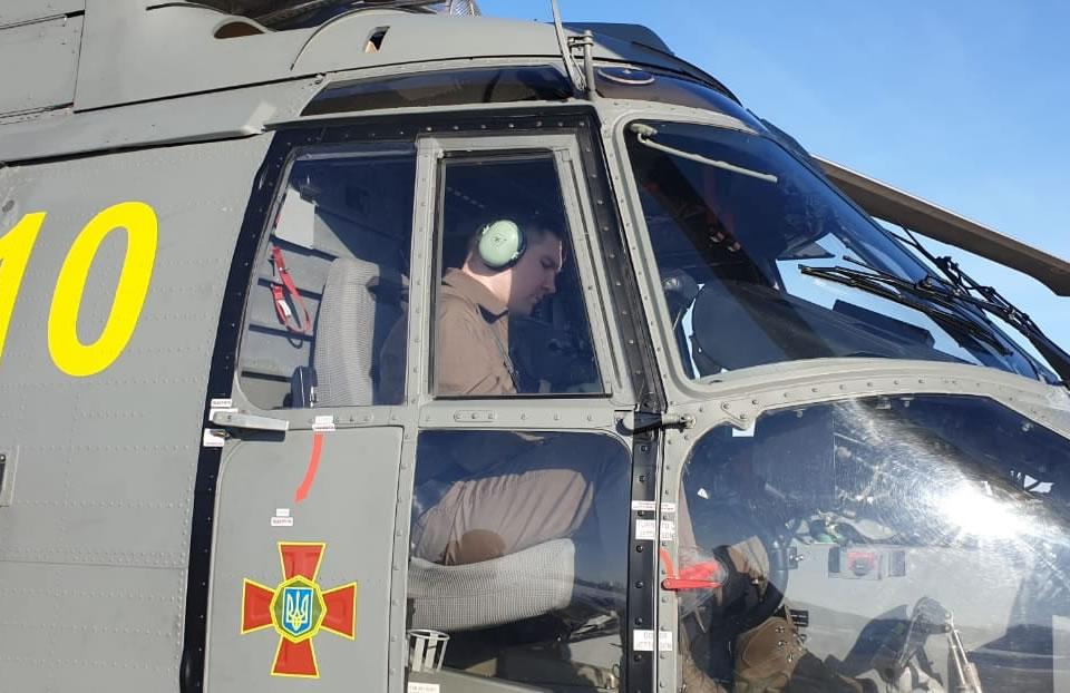 Александрийские авиаторы получили сертификаты летчиков-инструкторов на H225