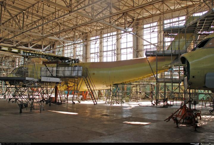 Минобороны планирует закупить транспортные самолёты Ан-140 и Ан-74
