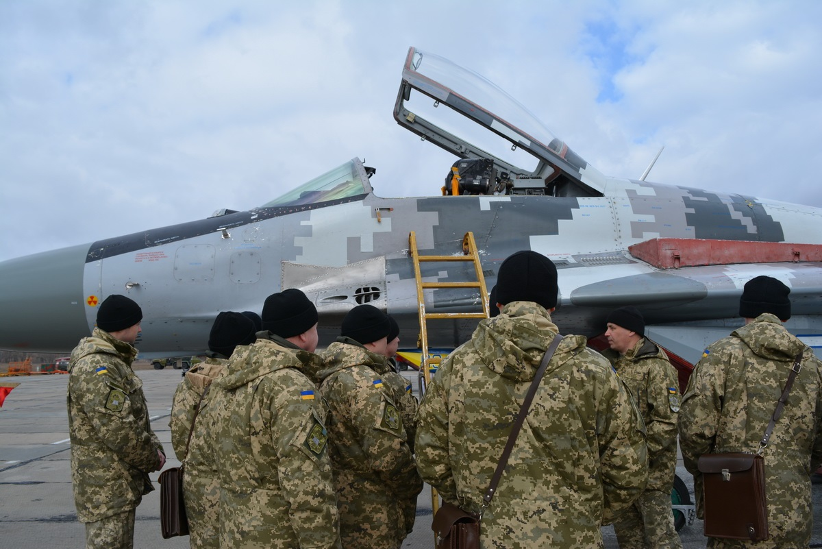 У слушателей Национального университета обороны Украины практические занятия проходят на базе боевых военных частей Воздушных Сил