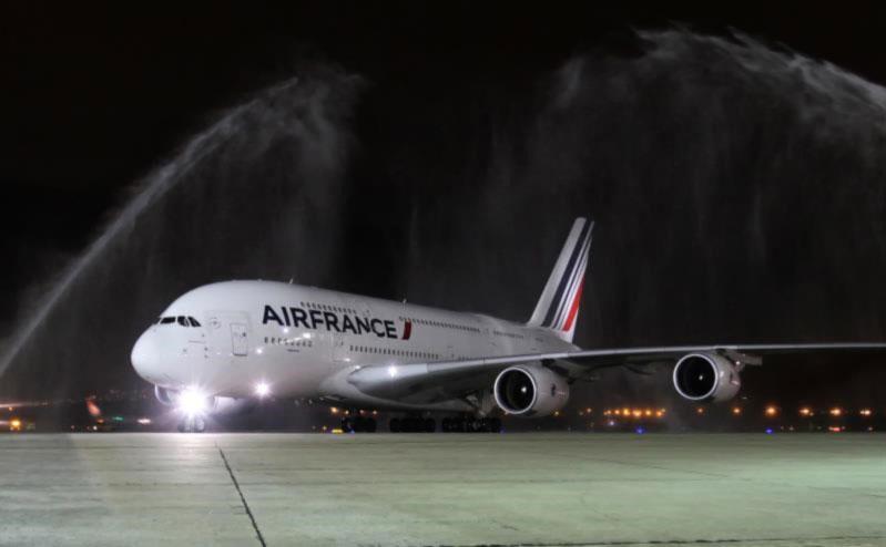 Airbus замедлит темпы сборки самолетов А380 до шести к 2020 году
