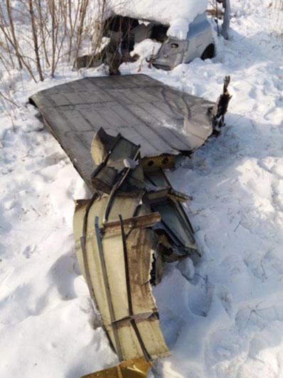 В Якутии из АН-12 при взлете на землю выпали десятки слитков золота
