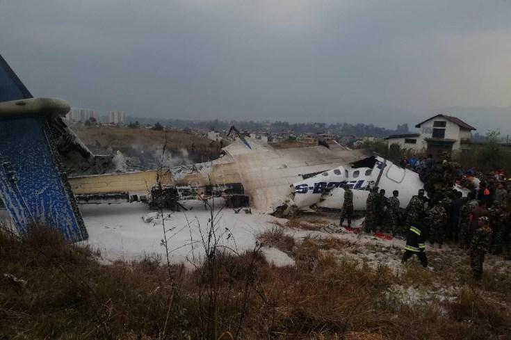 В Катманду при посадке разбился пассажирский самолет