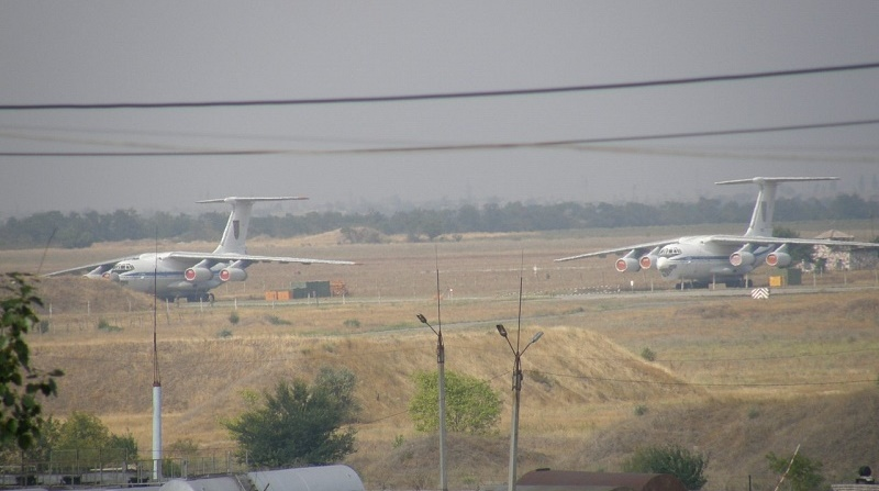 С Мелитопольского аэродрома попытались вывезти четыре разобранных самолета Ил-76