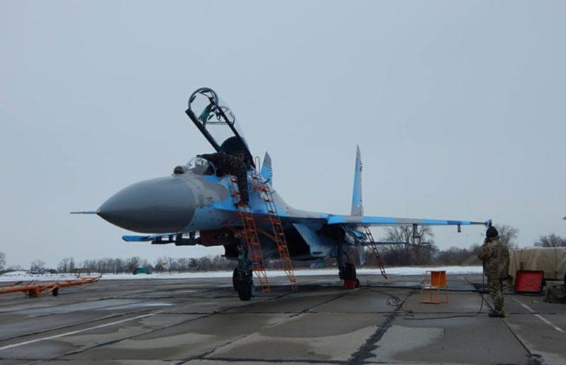 Курсанты Харьковского национального университета Воздушных Сил перенимают опыт миргородских летчиков-истребителей