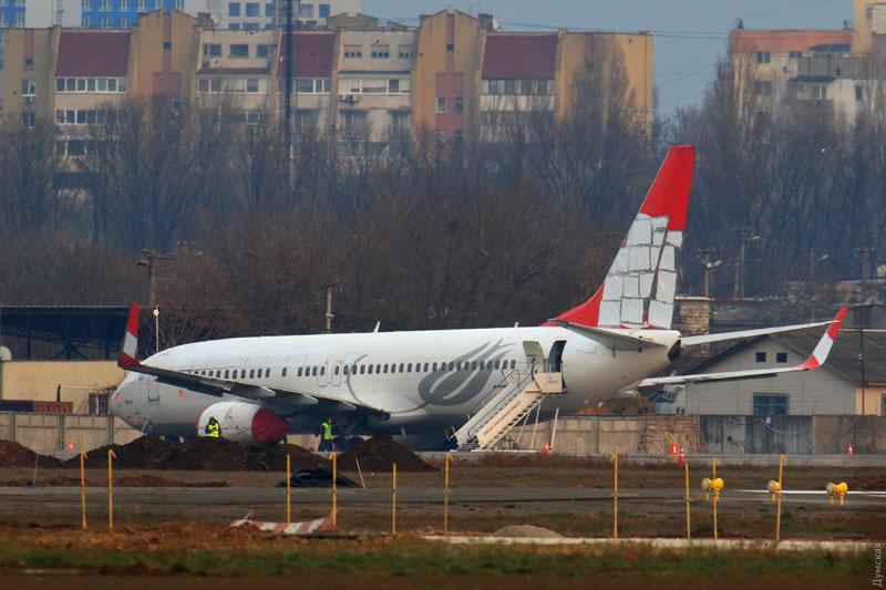 Boeing-737 Turkish Airlines в Одессе начали разбирать