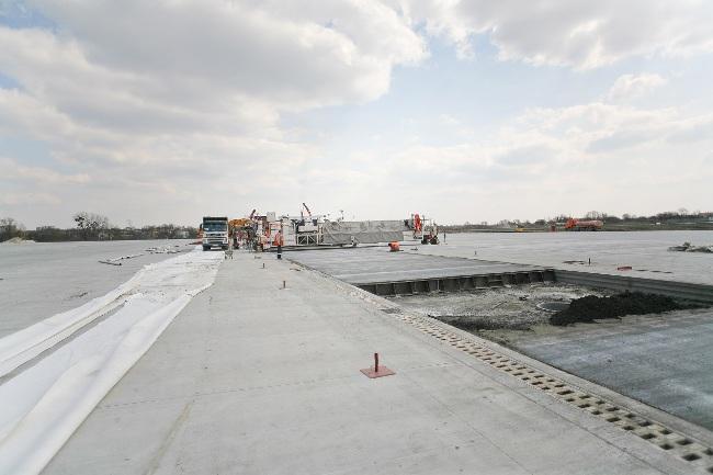 Кабмин увеличил сметную стоимость реконструкции аэродрома во Львове