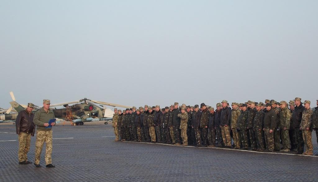 На Львовщине военные авиаторы получили в подарок от благотворителей автобус