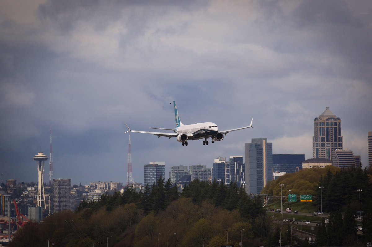 Компания Boeing успешно испытала новый самолет 737 MAX 9