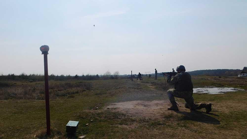 В Воздушных Силах учатся побеждать и на земле
