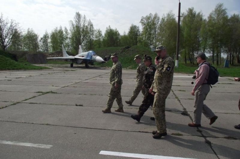 Инспекционная группа посетила бригаду тактической авиации ВК «Центр»