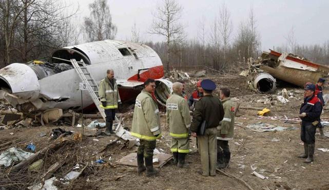 Польские эксперты завершили в Смоленске осмотр обломков самолета Качиньского