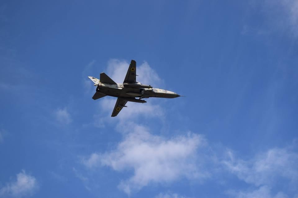 Су-24 отлетали летную смену в Хмельницкой области