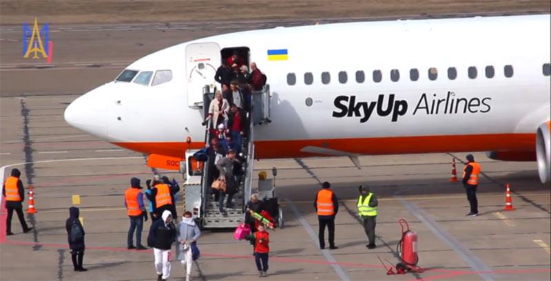 """Директор аэропорта """"Николаев"""" рассказал, почему нет самолета в Киев"""