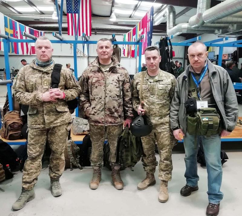 """""""Спецтехноэкспорт"""" обеспечил украинских десантников американскими парашютами"""