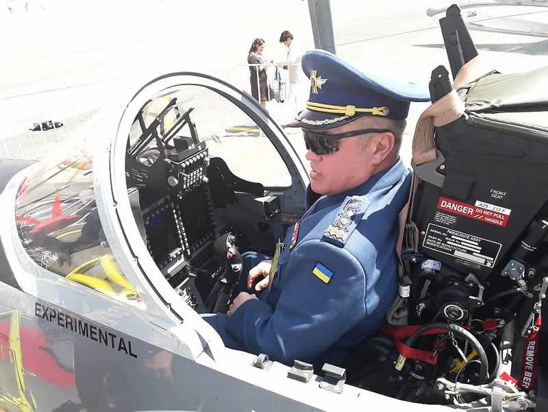 Представители Воздушных Сил посетили выставку в Мексике