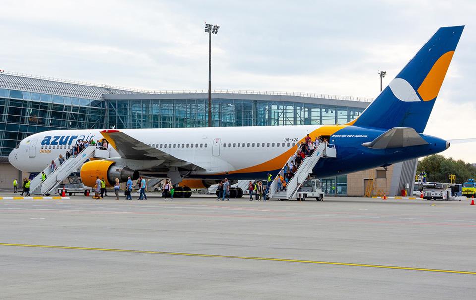 Авиакомпания Azur Air Ukraine займется перевозкой грузов