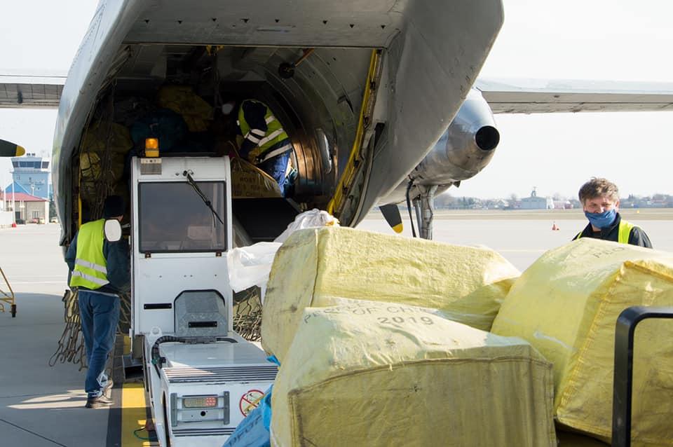 Состоялся первый грузовой рейс по маршруту Львов - Рига - Львов