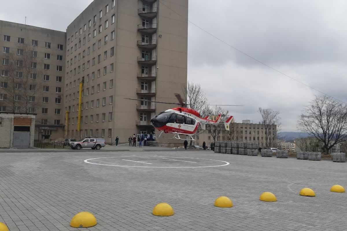 Вертолет ГСЧС выполнил очередной рейс аэромедицинской эвакуации во Львов