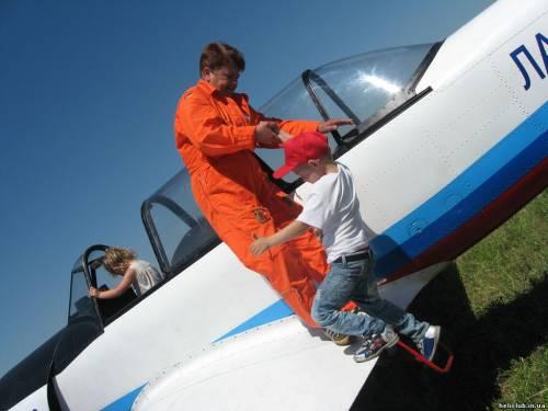 В Одессе открывается школа летного мастерства чемпионки мира по высшему пилотажу Ирины Адабаш